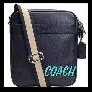 🎁GIFT ALERT🎁Coach Crossbody Midnight leather bag